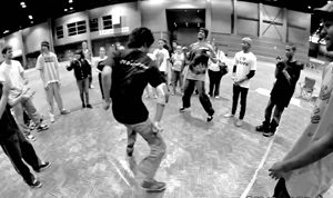[VIDEO] X-Mas Breaks B-Boy Battle @ McCormick Place